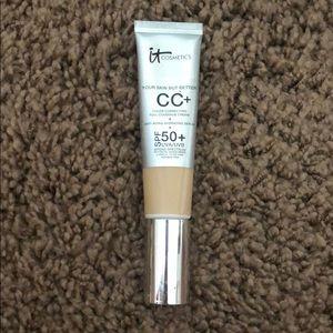 IT Cosmetics CC+ Light, 50SPF